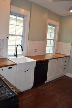 farmhouse sink+butcher block+white