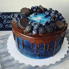 Sweet cake shared by °°Camo°° on We Heart It Cupcakes, Cupcake Cakes, Cake Cookies, Sweets Cake, Gorgeous Cakes, Pretty Cakes, Amazing Cakes, Bolo Laura, Ocean Cakes