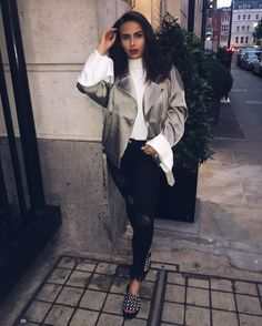 Youtubers, Famous People, Gate, Bomber Jacket, Angel, Celebrities, Jackets, Outfits, Beauty