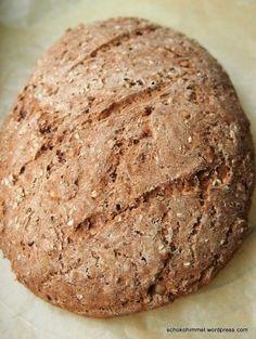 Ofenfrisches Roggen-Vollkorn-Brot