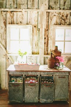 Beautiful farm wedding inspiration by Jennifer Tai use 40 g drums? Drink Table, A Table, Drink Bar, Industrial Wedding Inspiration, Farm Wedding, Wedding Summer, Wedding Ideas, Wedding 2015, Woodland Wedding