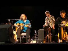 ▶ Hans Theessink & Champagne Charlie: Slow Train - YouTube