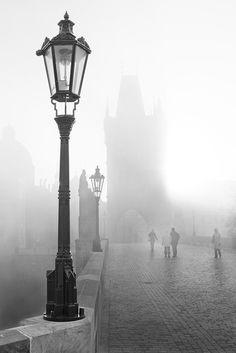 Charles Bridge in Fog, Prague, Czech Republic by Roberto Black And White City, Black White Photos, Black And White Photography, Fog Photography, Street Photography, Landscape Photography, O Gas, Saul Leiter, Great Photos