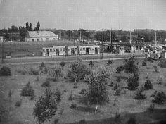 Ilyen is volt Budapest - Örs vezér tere Old Pictures, Old Photos, Vintage Photos, Budapest Hungary, Historical Photos, Paris Skyline, Arch, Landscapes, History