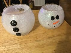 Excellent Totally Free Snowman Crafts fish bowl Suggestions It is not necessary a secret magic wand to produce wonderful recollections in the winter months. Snowman Christmas Decorations, Snowman Crafts, Christmas Snowman, Christmas Wreaths, Christmas Crafts, Xmas, Christmas Ornaments, Snowman Hat, Snowman Wreath