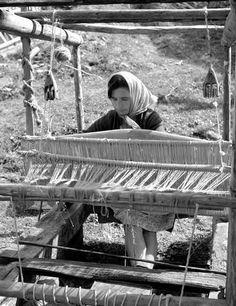 Αργαλειός στη Γκιούλμπερη (νυν Αμφιθέα Λάρισας).1972 φωτ.Τάκης Τλούπας