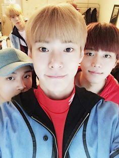 [#도영] 굿모닝! 삿포로의 아침 저희는 이제부터 공연 준비할거에요  #도영 #DOYOUNG #재현 #JAEHYUN #태일