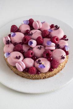 Christianshavnertærte à la Lagkagehuset Gourmet Desserts, Fancy Desserts, Delicious Desserts, Yummy Food, Beautiful Cakes, Amazing Cakes, Cake Recipes, Dessert Recipes, Real Food Recipes