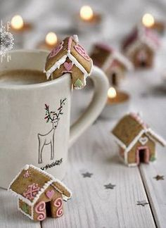 (via Mini Ginger Bread Houses For Christmas | Comida Food Muerta de Hambre…)