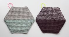 Lutter Idyl - can't read the language, but like how the hotpads are double strand with the same color on half, then 2 colors on the other half!  Neat!