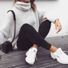 n s t a g r a m heartynhealthy Visit for more summer outfits fall ideas sporty chic athletic wear casual winter outfit cute spring athleisure sets matching active wear. Winter Outfits For Teen Girls, Fall Winter Outfits, Spring Outfits, Ootd Winter, Winter Outfits Tumblr, Teen Outfits, Winter School Outfits, New York Winter Outfit, Fall Outfits 2018