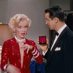 The Hidden Agenda Of Meaning Engagement Estilo Marilyn Monroe, Marilyn Monroe Photos, Divas, Hidden Agenda, Unusual Wedding Rings, Plus Size Party Dresses, Gentlemen Prefer Blondes, Actrices Hollywood, Sigmund Freud