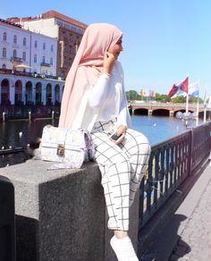 Fashion Summer Hijab Maxi Dresses For 2019 Hijab Fashion Summer, Modest Fashion, Trendy Fashion, Fashion Outfits, Women's Fashion, Hijab Wear, Hijab Outfit, Ootd Hijab, Hijab Dp