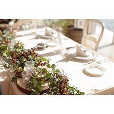 wedding report * 高砂はグリーンのランナーに 木の実とキャンドルでシンプルに♡ #高砂 #木の実 #切り株 #装花 #会場装花 #flowers #花嫁 #結婚式 #wedding #フレアージュ葉山 #葉山 #farnyレポ #marry花嫁 #ウェディングニュース #大人花嫁 #大人ウェディング #大人婚