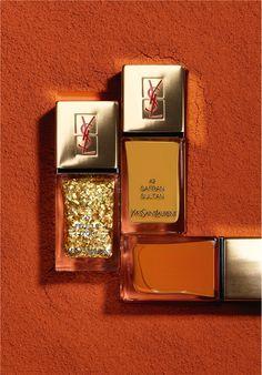 Ongles 24 carats signés Yves Saint Laurent http://www.vogue.fr/beaute/buzz-du-jour/diaporama/ongles-24-carats-signes-yves-saint-laurent/17050