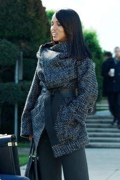Superbe manteau avec ceinture.