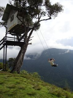 Casa del Arbol, Ecuador