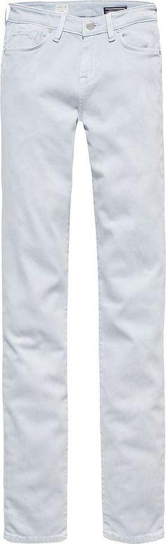 Die COMO von Tommy Hilfiger kommt mit engem Bein und tiefem Bund. Die weiche Qualität macht diese Hose perfekt für den Sommer.60% Baumwolle, 38% Modal, 2% Elastan...