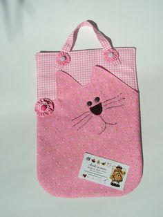 lixinho  de carro Diy Purse, Tote Purse, Cat Bag, Purse Organization, Cat Pattern, Fabric Bags, Patch Quilt, Little Bag, Kids Bags