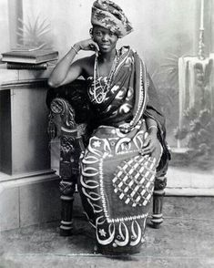 Tanzania / Zanzibar: A well-to-do young Swahili woman posing in the stonetown studio of A. Gomes & Sons, Zanzibar, c. African Beauty, African Women, African Art, African Fashion, African Colors, African Life, African Style, African Culture, African History