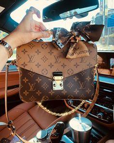 Cheap Best High Quality Louis Vuitton Replica bags, wallets, backpacks on sales Replica Handbags, Luxury Handbags, Fashion Handbags, Purses And Handbags, Fashion Bags, Designer Handbags, Chanel Handbags, 00s Fashion, Hand Bags Designer