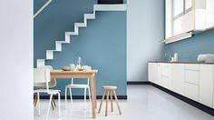 V letošním roce hraje prim popelavě modrá ve všech odstínech, která je barvou každodenního života.