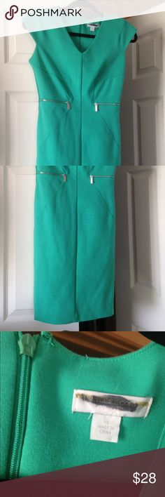 New York & Company dress Super cute & comfy New York & Company teal dress. Size XS. I'm a size 2-4 and it fits great. Great condition New York & Company Dresses Midi