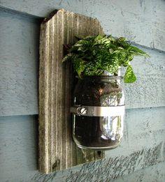 Single Mason Jar Wall Planter | Bring the outdoors in with this mason jar wall organizer