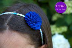 Diadema azul para niña.