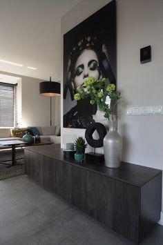 Woonwinkel Schijndel - Strak en modern - Hoog ■ Exclusieve woon- en tuin inspiratie. Home Room Design, Interior Design Living Room, Living Room Designs, House Design, Diy Bedroom Decor, Living Room Decor, Easy Home Decor, Corner Shelves, Arquitetura