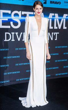 Shailene Woodley is super glam in this Zuhair Murad stunner!