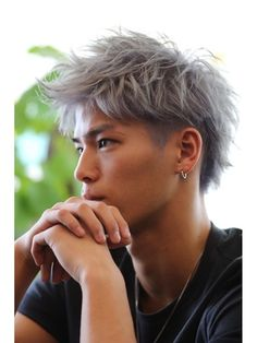 Whether its a slick back hairstyle or a long cut Asian men can pull off any Silver Hair Asian, Silver Hair Men, Asian Hair Men, Straight Back Hairstyles, Boys Colored Hair, Korean Men Hairstyle, Men Hair Color, Slicked Back Hair, Lavender Hair