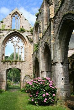 Abbaye De Beauport - Paimpol - Côtes-d'Armor - Brittany, France - founded 1202 - Gothic architecture - declined after 1750 - destroyed by revolutionaries - closed 1790 Oh The Places You'll Go, Places To Travel, Places To Visit, Travel Destinations, Magic Places, Beautiful Places, Beautiful World, France 3, Place Of Worship