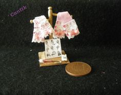 1:12 Scale Hand-Made Miniature PINK LEATHER GLOVE SHOP DISPLAY STAND