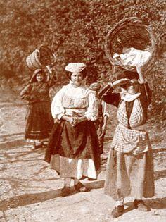Greek Traditional Dress, Corfu Island, Corfu Greece, Folk, The Past, Culture, Greeks, Costumes, Painting
