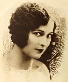 1926: Jacqueline Logan - Cine-Mundial (Dec 1926)