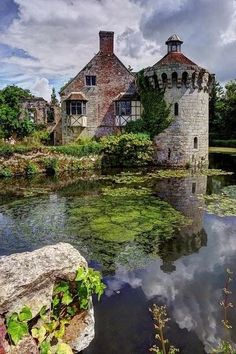 Places to Visit - Scotney Castle - Kent, England