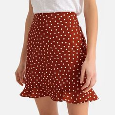 Ruffle skirt in polka dot print , brown print, La Redoute Collections Straight Skirt, Elegant Outfit, Ruffle Skirt, Polka Dot Print, Mannequins, Trousers Women, Skirt Outfits, Short Skirts, Ideias Fashion