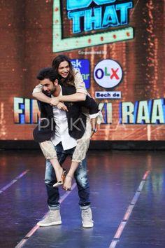 Deepika gets a piggyback ride from #Tamasha co-star Ranbir Kapoor!