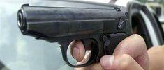 Шок: полицейский убил семью и застрелился сам http://feedproxy.google.com/~r/russianathens/~3/kKX8bWqRt3o/24326-shok-politsejskij-ubil-semyu-i-zastrelilsya-sam.html  Шокирующий инцидент произошел в столичном районе Аг. Анаргирос. Полицейский жестоко расправился со своей семьей, а затем покончил с собой.