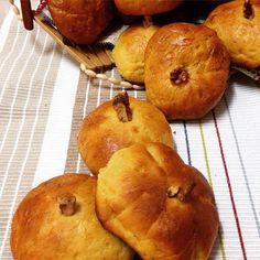 Pumpkin Dinner Rolls for #BreadBakers