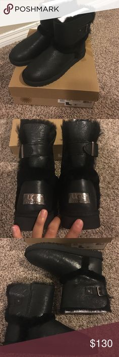 """W Airehart Black Boots UGG AIREHART BLACK BOMBER LEATHER SHEEPSKIN BOOTS SIZE US 7/UK 5.5/EU 38 NEW  DESCRIPTION BRAND NEW 100% AUTHENTIC UGG AIREHART COLOR: BLACK SIZE US 8 UK 6.5 EU 39  FEATURES  - 6 1/2"""" bootie shaft. - Pull-on style. - Leather and genuine shearling upper - UGGpure wool lining - Buckle detail by shaft - EVA sole. UGG Shoes Ankle Boots & Booties"""