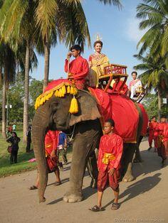 Loy Kratog Parade Sukothai #Thailand