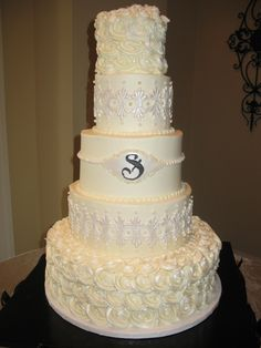 roses and lace wedding cake wwwcheesecakeetcbiz wedding cakes charlotte nc