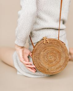 The straw bag. The itbag of summer. If you haven't jumped on the trend train yet, or want to add to your growing collection,let me introduce you to Bembien. These super chic straw bags are intricately woven by artisanal weaving communities from Bali, Morocco and Vietnam. I love the fine details,