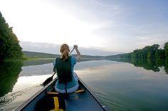 Kanu-Tour durch die Uckermark (rf) Eines der größten zusammenhängenden Wassersport-Reviere in Brandenburg ist der Naturpark Uckermärkische Seen. Hier erwartet Kanuten eine in weiten Teilen unberührte Naturlandschaft, die ... Link: http://www.reisefernsehen.com/reise-news/reise-news-aktivurlaub/387115a3370e78e03-kanu-tour-durch-die-uckermark.php