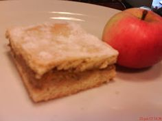 receptyywett : Babkin jablkový koláč Cornbread, Apple, Fruit, Ethnic Recipes, Food, Milan, Basket, Millet Bread, Apple Fruit