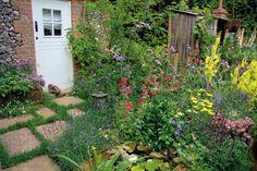 Aj v menšej vidieckej záhrade Gladioli, Samos, Beautiful Flowers, Outdoor Structures, Garden Ponds, Design, Garden Ideas, Gardens