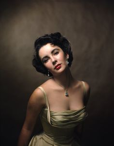 Elizabeth Taylor Iconic Halsman Portrait: Behind the Photo