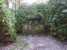 https://flic.kr/p/jPtE5a | grave, Ohlsdorf Cemetery, Hamburg